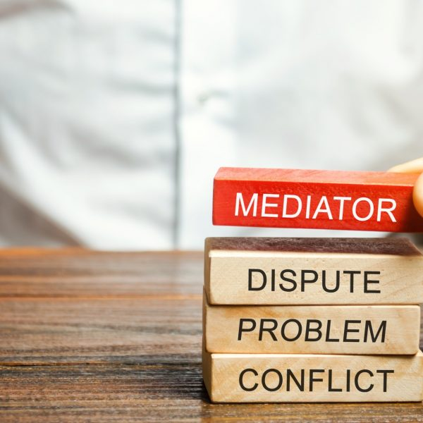 mediator-mediation-dispute-problem-conflict-concept-mediate-arbitration-arbitrator-agreement_t20_GJ220o